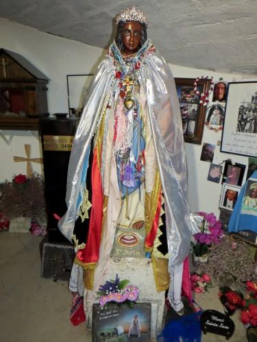 Les gitans vénèrent leur vierge au cours du fameux pélérinage